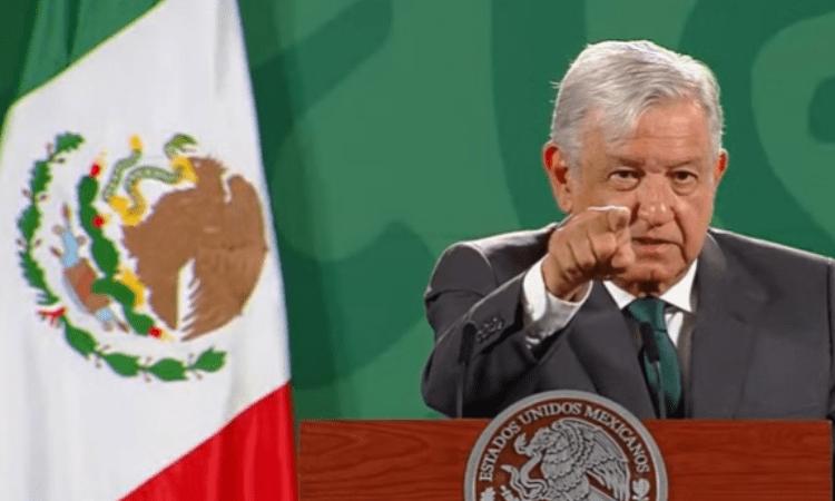 Luego de que se difundiera una noticia falsa en la que se aseguraba que el hijo de AMLO compraría el Cruz Azul, el mandatario prometió exponer las 'fake news' en vivo