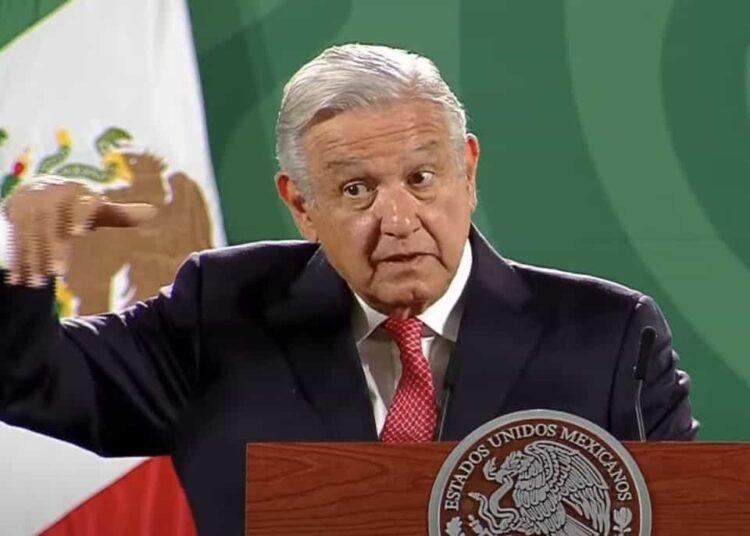Al criticar la posición que un sector de la clase media, que apoyó a Gabriel Quadri, ha asumido desde la llamada superioridad académica -sobre todo en la Ciudad de México- el tabasqueño describió