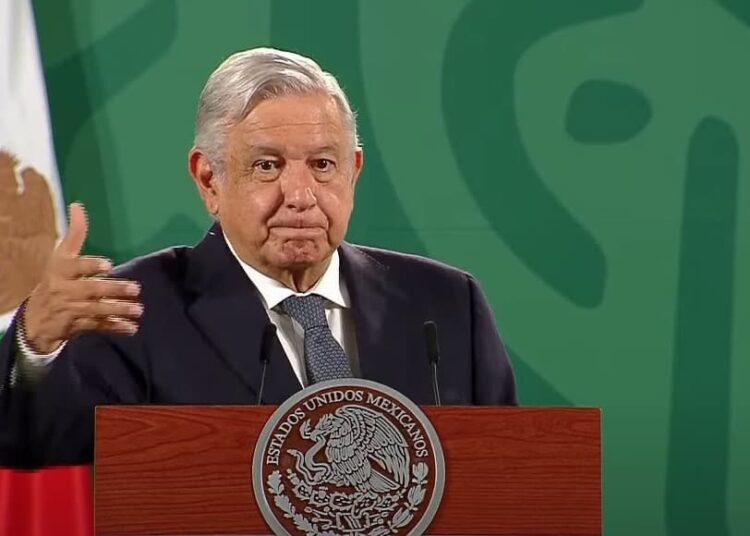 """El presidente López Obrador destacó que la violencia en los pueblos no tiene que ver con los yaquis, sino personas que se han metido en la zona y se dedican a """"otras actividades"""", no afirmando de qué tipo."""