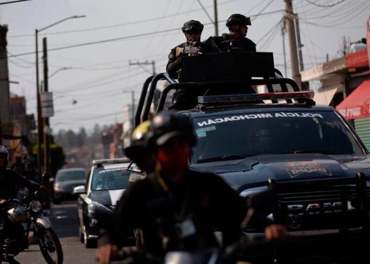 En Michoacán una jornada violenta dejó al menos siete muertos. En Aquila fueron localizadas dos cabezas humanas