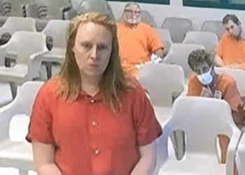 Arrestan a una mujer por acribillar a su esposo en el interior de la casa; sus hijos habrían estado en la escena del crimen
