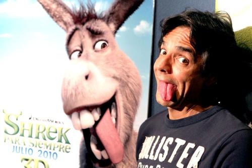 """Explicó Derbez a detalle demanda por """"Mesa que más aplauda"""" en Shrek"""