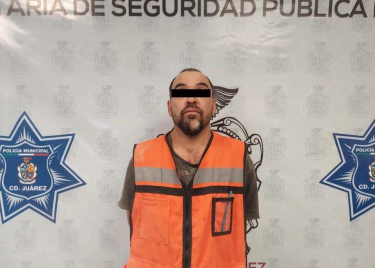 Intentó huir al ver policías; le encontraron marihuana en hielera