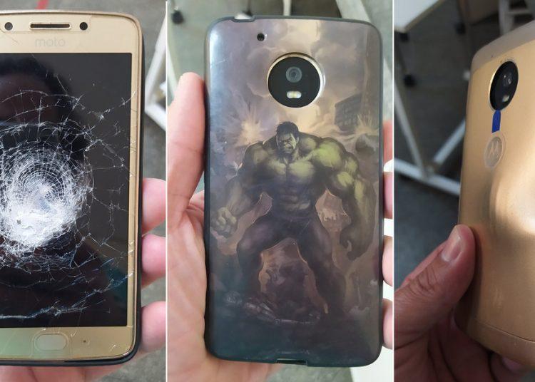 Hombre se salva tras recibir un balazo que rebotó en su celular con funda de Hulk