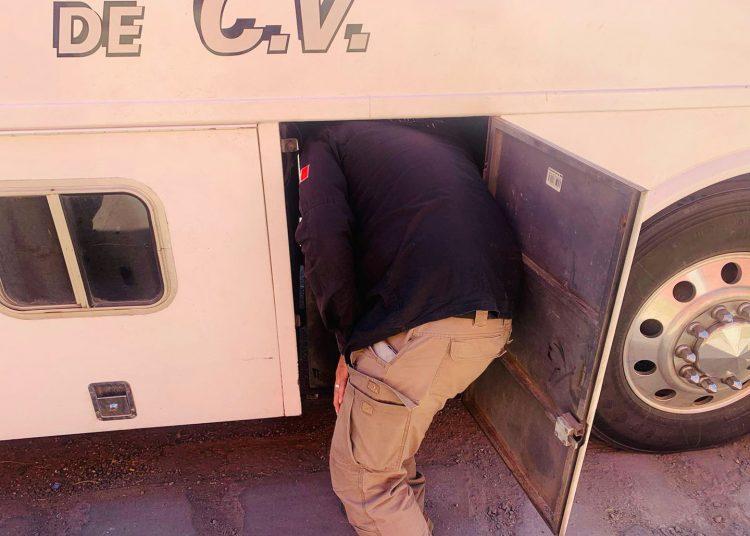 FGR aseguró camión de pasajeros que transportaba drogas de Culiacán a Tijuana