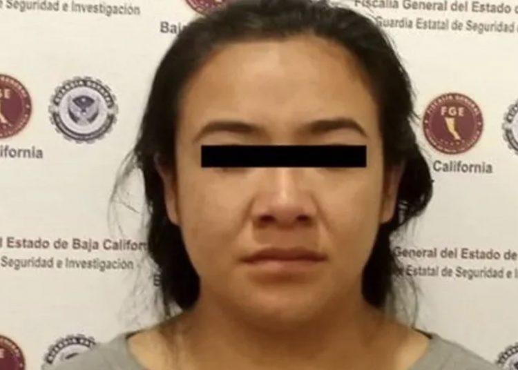 Mujer practica cesárea a compañera y la detienen por feminicidio, murió madre e hijo