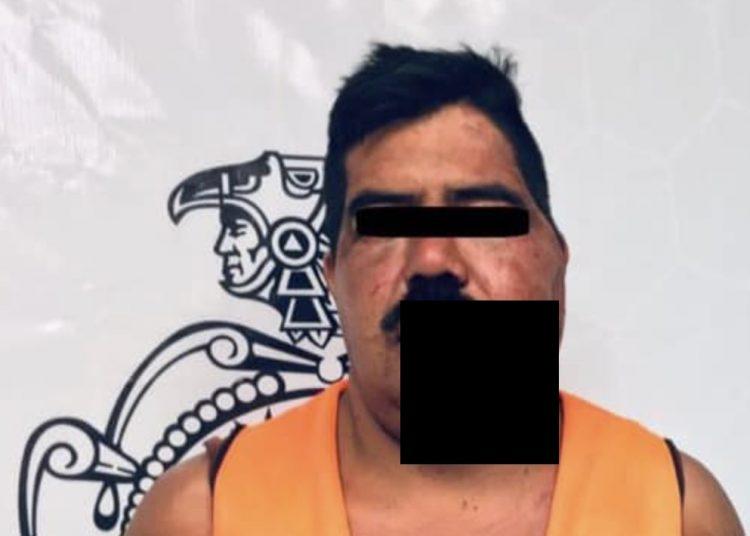 Apuñaló a su esposa por celos y es detenido