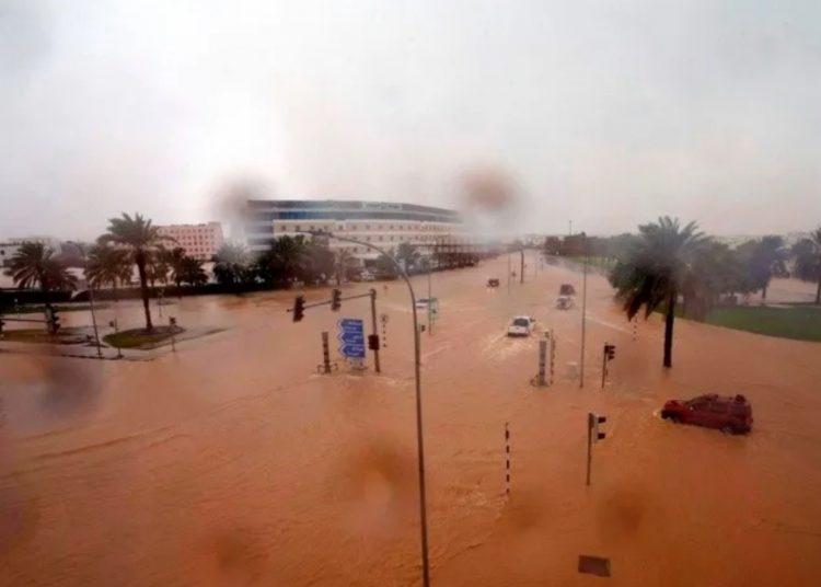 Reportan al menos once personas muertas en Omán tras paso del ciclón Shaheen