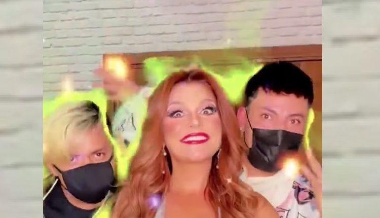 """Itatí Cantoral afirma que detrás de una """"gran mujer hay muchos gays"""""""