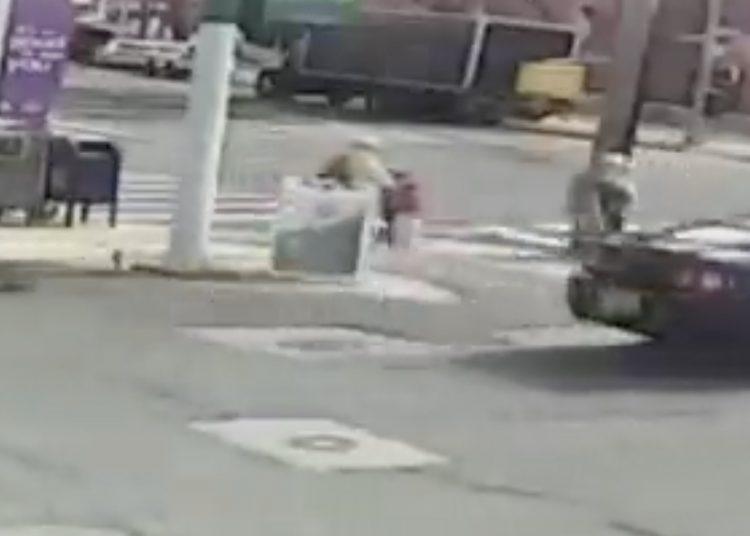 """Se lo ordenaron """"voces de su cabeza"""": hombre que raptó una niña en plena calle"""