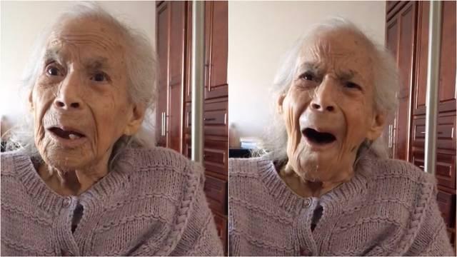 Abuelita revive su niñez con canción infantil; su reacción se hace viral