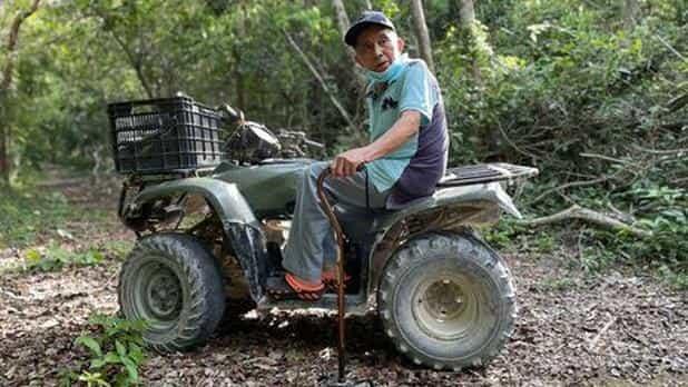 Antonio Manrique Mac se dedicó a la extracción de chicle y a sembrar milpa, hasta que se hizo de un rancho que con el tiempo fue vendiendo algunas hectáreas y rentando otras para poder mantenerse en su vejez.