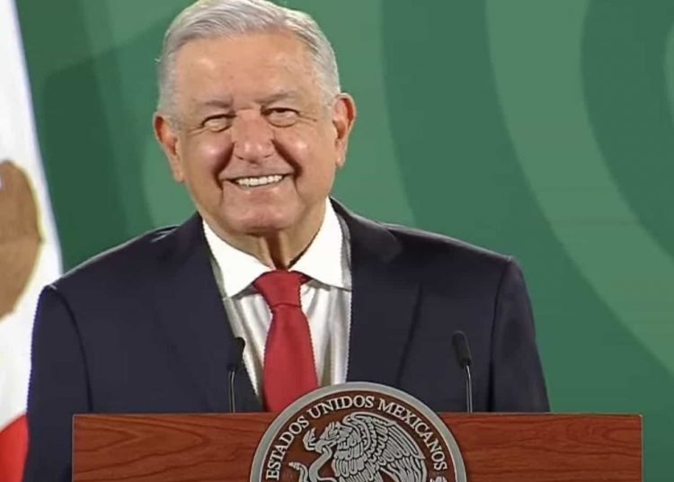 """López Obrador dijo que Israel no puede ser """"refugio de torturadores"""", pues reiteró que Tomás Zerón está acusado de cometer irregularidades en las investigaciones del caso Ayotzinapa."""