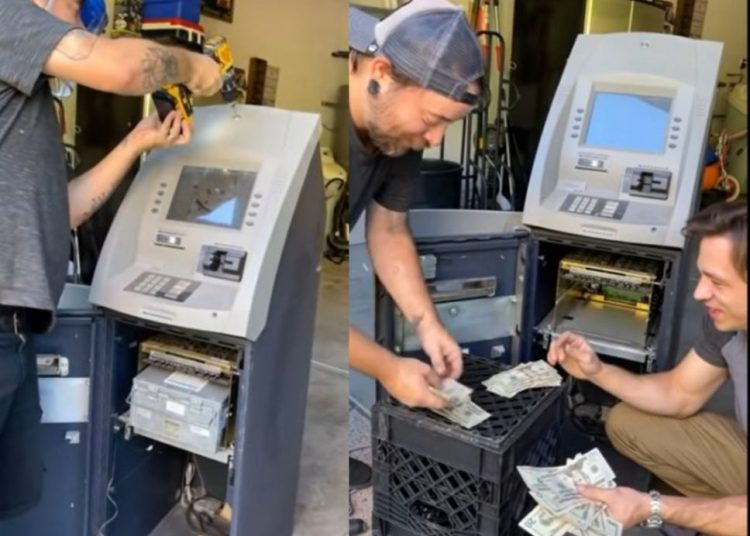 Desarman cajero automático viejo, se llevan una sorpresa