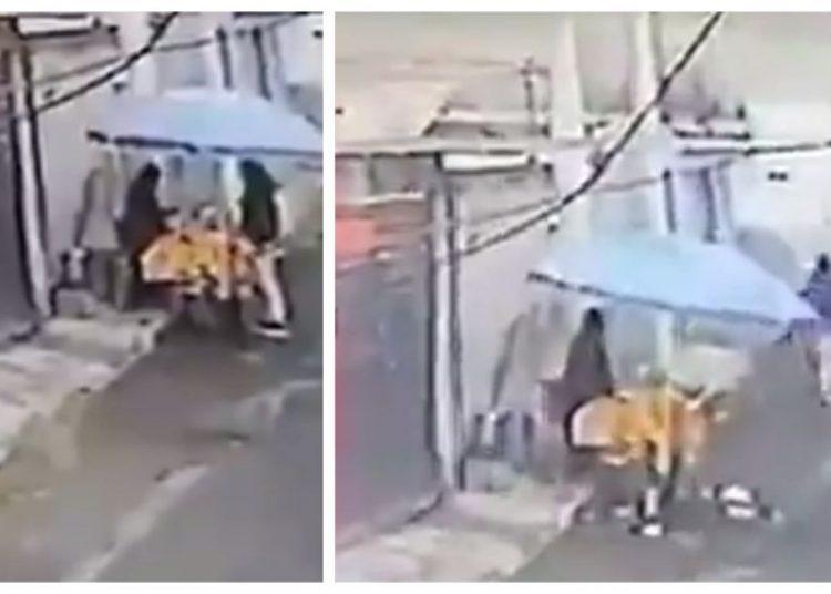 Hombre roba un puesto de tamales y genera indignación