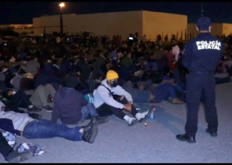 La noche del jueves fueron rescatados en Tamaulipas más de 600 migrantes que viajaban en contenedores de refrigeración y malas condiciones.