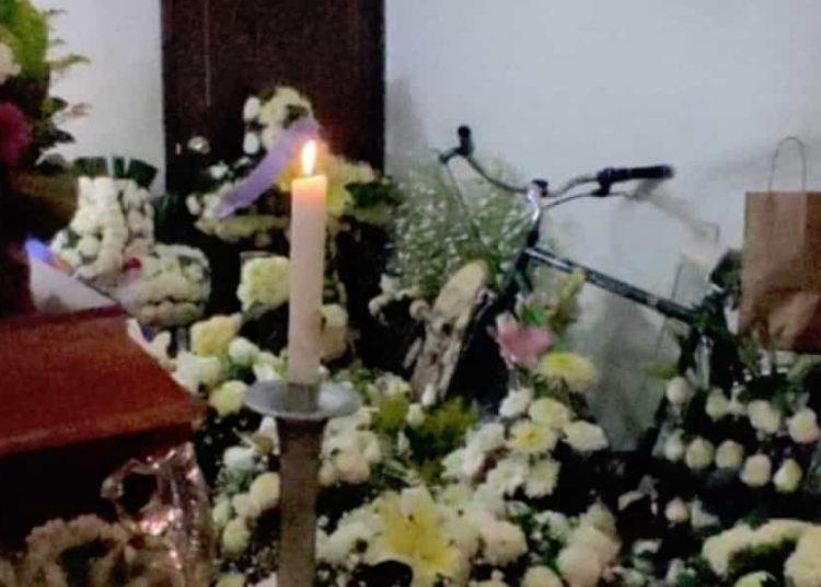 El joven de 24 años fue asesinado cuando se dirigía su casa en el municipio de Ecatepec; dos hombres asaltaron la unidad de transporte en la que viajaba.