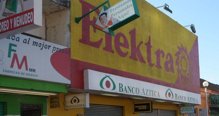 """Mujer embarga 330 mil pesos en productos de Elektra; """"Es un caso viejo"""": Salinas Pliego"""