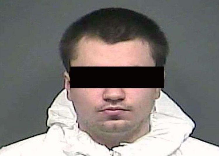 """Un hombre acribilla a su familia, incluida una menor de 11 años; asegura que lo hizo por """"defensa propia"""""""