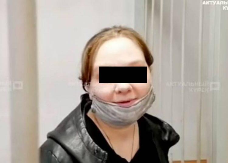 Mamá quema vivo a su hijo de ocho años por acusarla con su padrastro que le había sido infiel