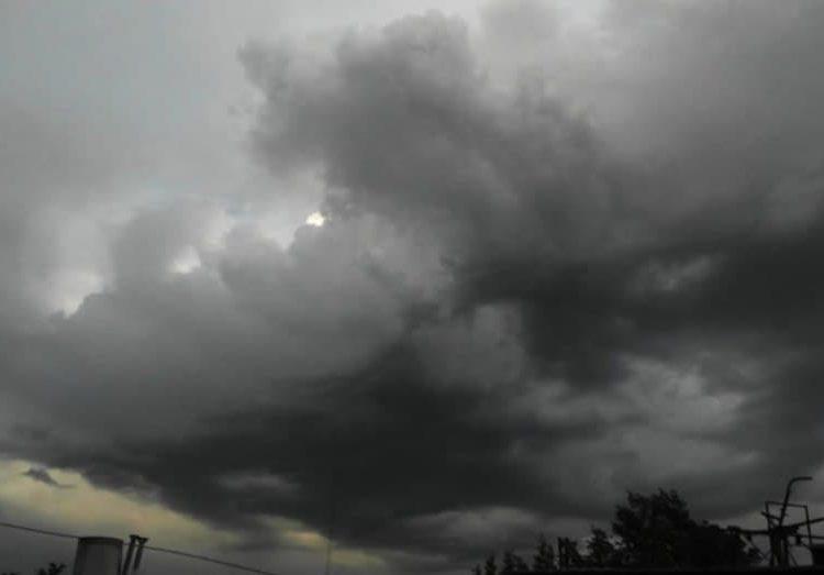 Durante la tarde, se esperan temperaturas máximas de 35 a 40 grados Celsius en Baja California, Campeche, Sinaloa, Sonora y Yucatán.