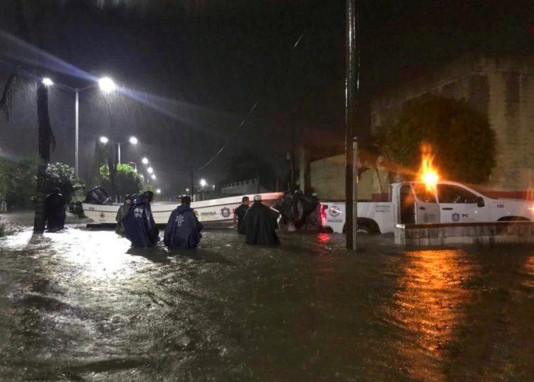 Las comunidades más afectadas debido a las precipitaciones son Lerdo de Tejada, Saltabarranca, Tlacotalpan y Cosamaloapan.