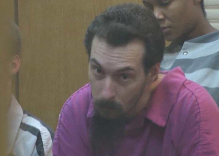 Luego de que el juicio se transmitiera en la televisión de la cárcel, los presos golpearon a Michael Corey en su celda.