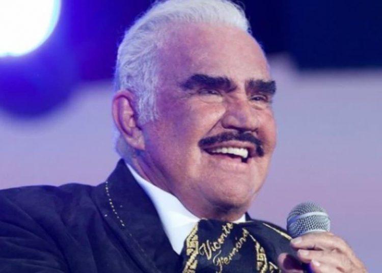 Vicente Fernánndez cuenta con una trayectoria de más de cuatro décadas como intérprete de música tradicional mexicana.